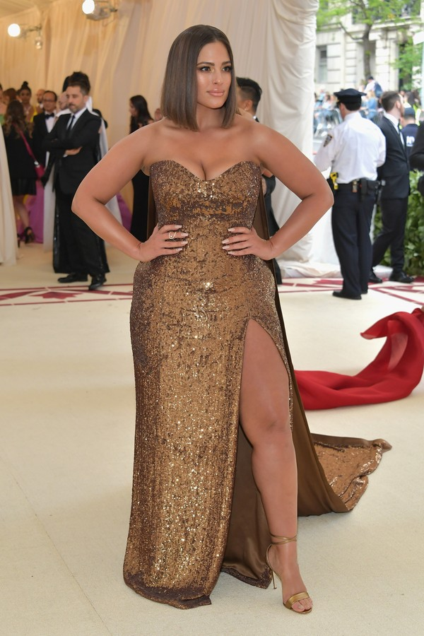 NEW YORK, NY - MAY 07:  Ashley Graham attends the Heavenly Bodies: Fashion & The Catholic Imagination Costume Institute Gala at The Metropolitan Museum of Art on May 7, 2018 in New York City.  (Photo by Neilson Barnard/Getty Images) (Foto: Getty Images)