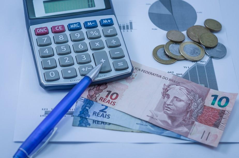 Receita paga hoje 2º lote da restituição do imposto de renda. Veja onde investir