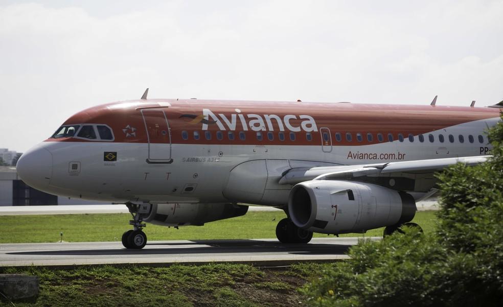 Aeronave da Avianca aguarda autorização para decolagem no Aeroporto de Congonhas, em SP — Foto: Bruno Rocha/Fotoarena/Estadão Conteúdo