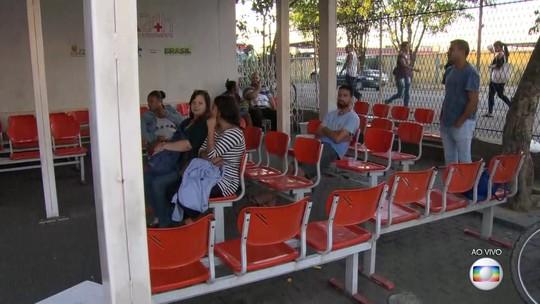 Greve de funcionários prejudica atendimento em hospitais e postos de saúde em Caxias, RJ