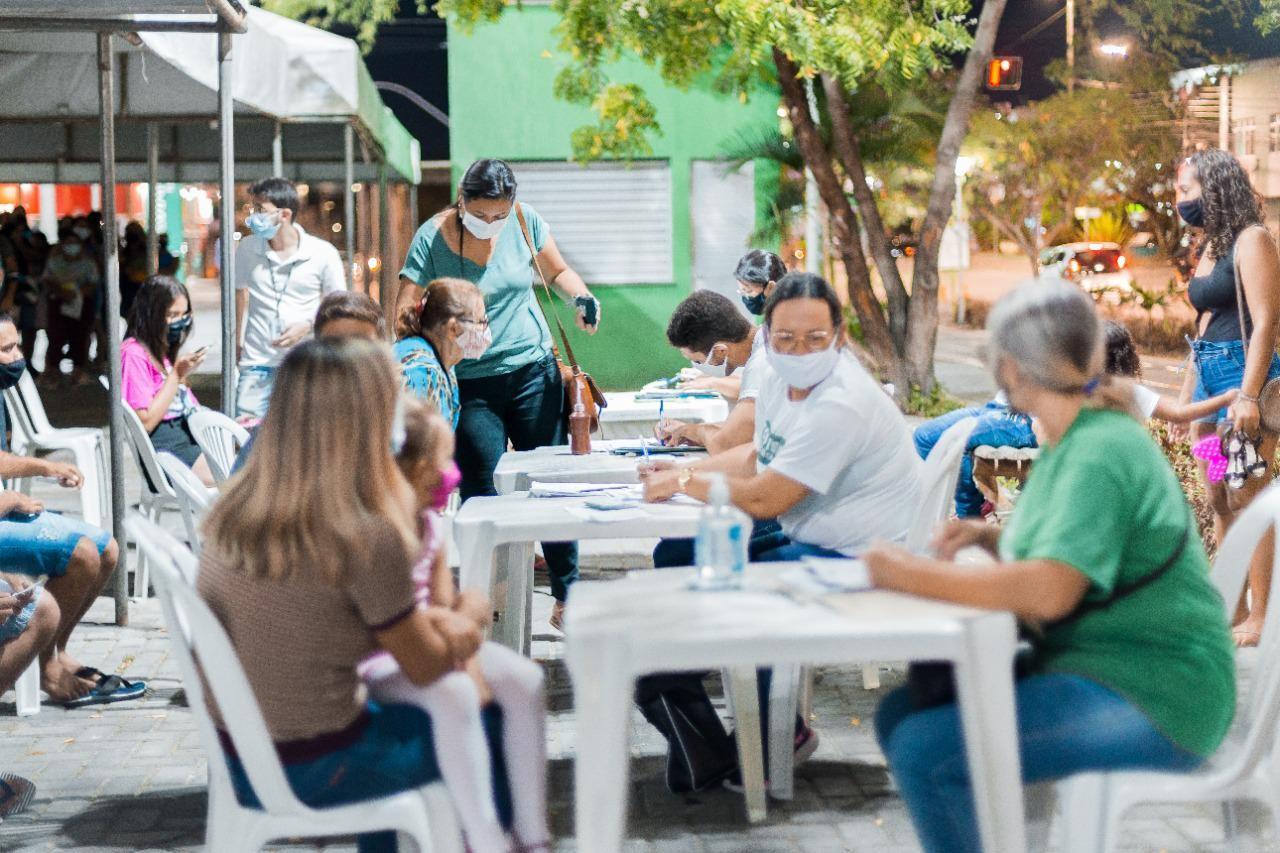 Vacinação contra a Covid-19 é realizada na Via Parque, em Caruaru, até a sexta-feira (29)