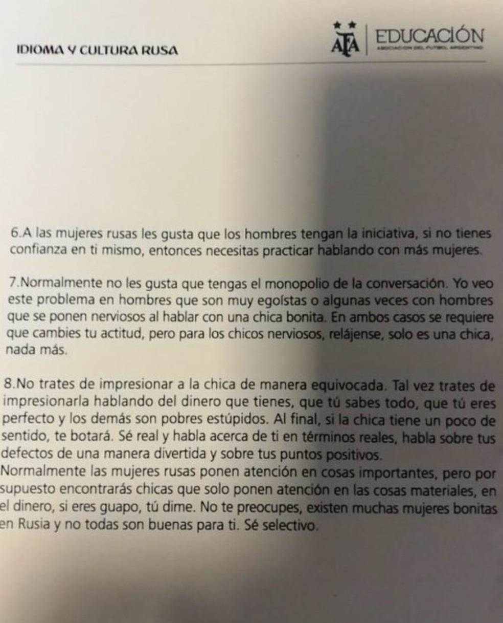 O documento foi distribuído em um curso (Foto: Reprodução)