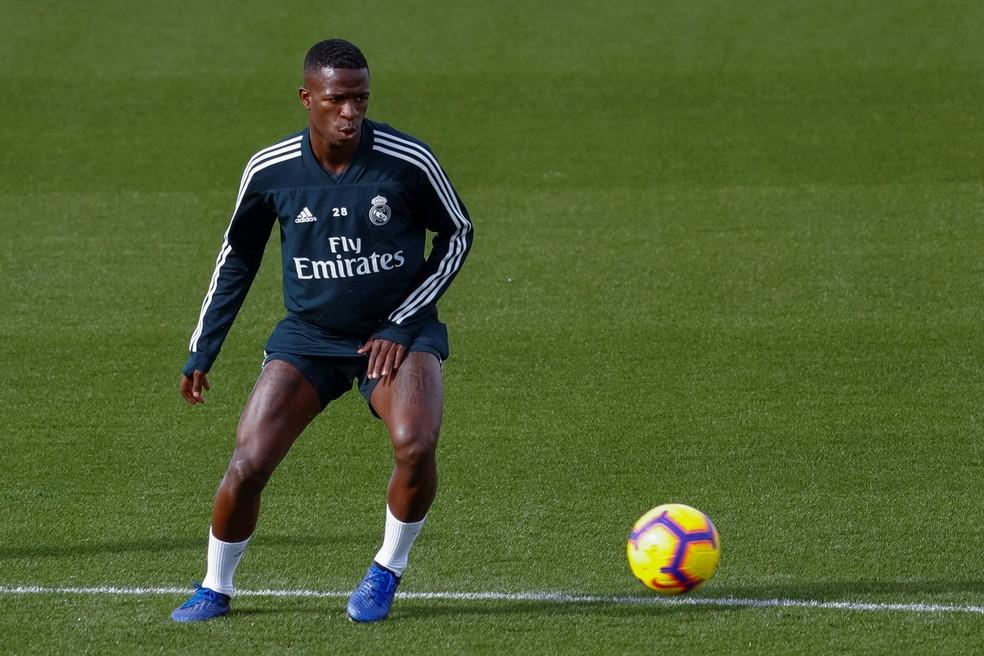 Vinicius Junior em treino anterior do Real Madrid — Foto: EFE/Emilio Naranjo