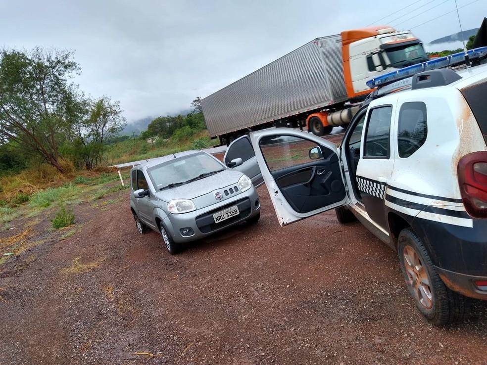 Polícia recuperou 12 dos 16 automóveis furtados por quadrilha que invadiu garagem em Várzea Grande — Foto: Polícia Militar de Várzea Grande/Divulgação