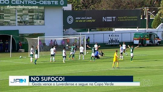 Rafael Moura marca os primeiros gols no retorno ao Goiás e diz que vitória evita pressão ainda maior