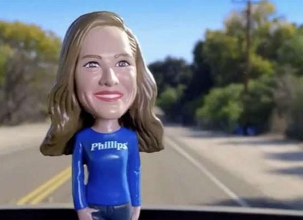 Atriz diz Bayer criou boneca inspirada nela (Foto: Reprodução)