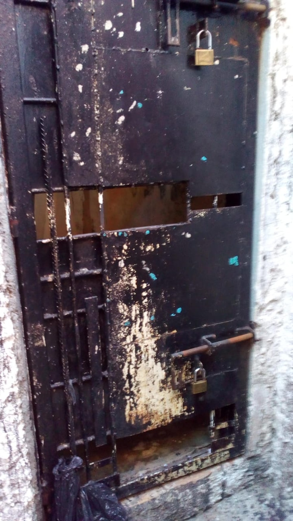 Depois de deixarem a cela, presos foram até o solário e escaparam pelo telhado — Foto: Polícia Civil/Divulgação