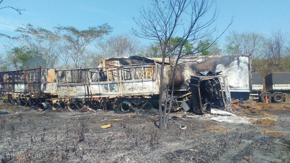 Acidente BR-364 em Mato Grosso — Foto: Jeyson Nascimento/TV Centro América
