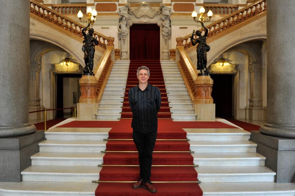 Hugo Possolo é o diretor artístico do Teatro Municipal de São Paulo.  — Foto: Divulgação/Francio Holanda/Secretaria Municipal de Cultura
