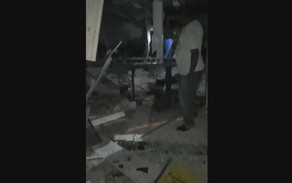 Bandidos explodem banco em Sapeaçu e interior da unidade fica destruído