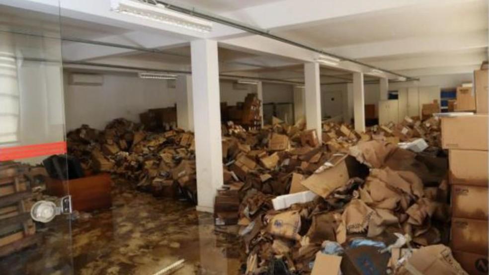 Foto mostra sala da Cinemateca, na Vila Leopoldina, após enchente em fevereiro — Foto: Cinemateca Brasileira/Divulgação