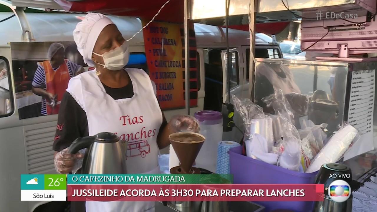 Conheça a rotina dos trabalhadores que vendem comida na rua