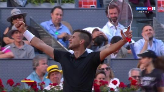 Melhores momentos de Nadal 0 x 2 Thiem pelas quartas do Masters 1000 de Madri 2018