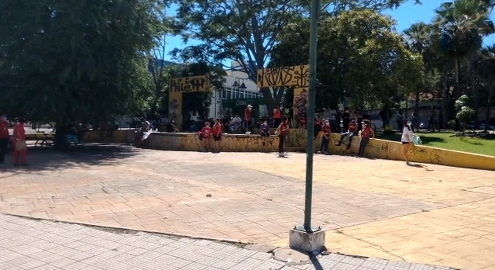 Manifestação contra o racismo e a favor da democracia em Teresina — Foto: Reprodução/TV Clube