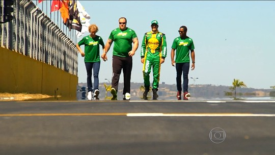 """Trio olímpico busca combustível extra e """"voa"""" a mais de 200km/h na Stock"""
