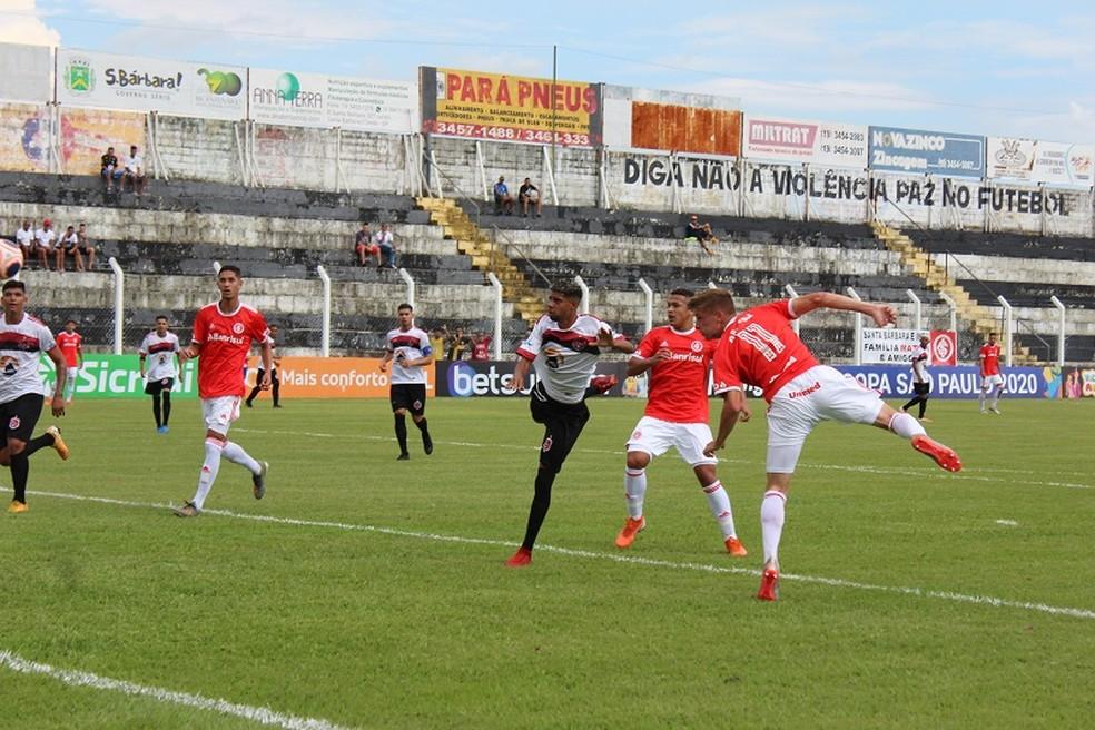 Confiança-PB perdeu para o Internacional por 3 a 0 logo na estreia — Foto: Leonardo Fister / Internacional