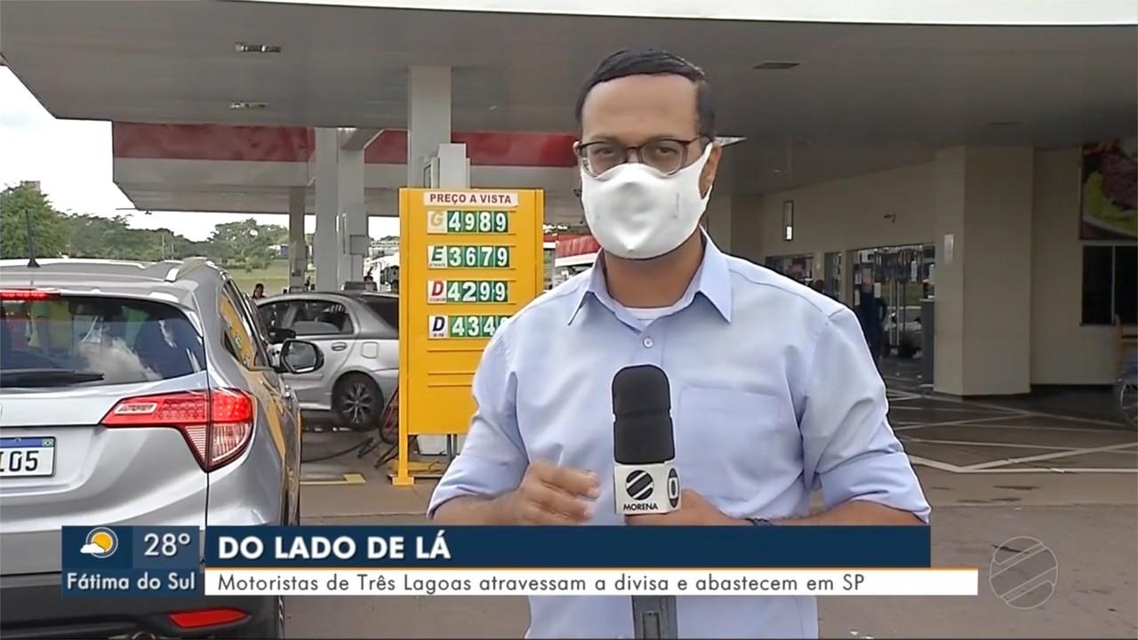 Motoristas atravessam a divisa para abastecer no estado de SP