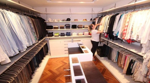 A personanal organizer Carol Rosa é especializada em closets (Foto: Divulgação)