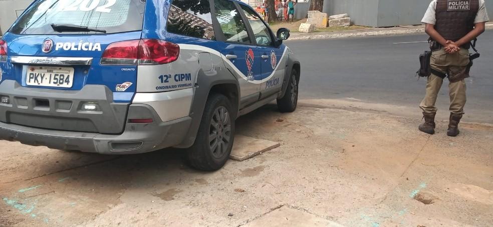 Policiamento reforçado no bairro de Ondina, em Salvador — Foto: Cid Vaz/TV Bahia