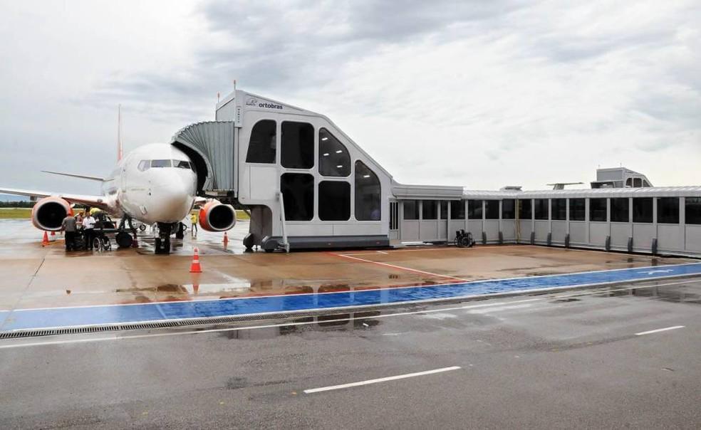 Homem foi detido ao desembarcar no aeroporto Brigadeiro Lysias Rodrigues — Foto: Wilson Rodrigues/Secom