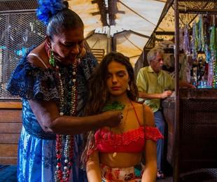 Isis Valverde grava 'A força do querer' com Dona Coló no Mercado Ver-o-Peso, em Belém | Estevam Avellar / TV Globo