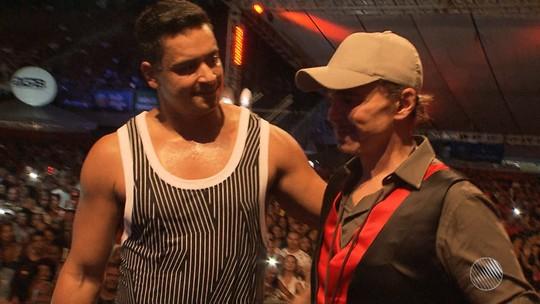 Netinho volta aos palcos em Salvador em ensaio do Harmonia; veja vídeo