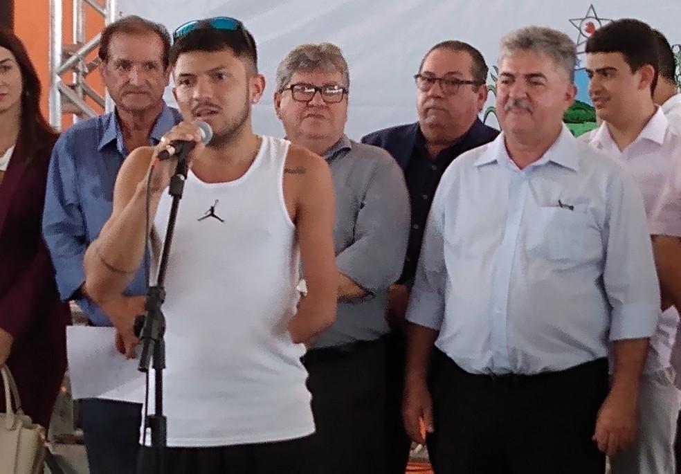 Recordista mundial, paratleta Petrúcio Ferreira participou do evento — Foto: Expedito Madruga
