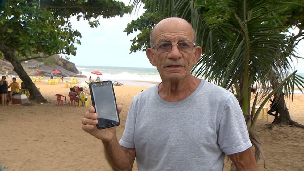 Banhista Sebastião Calazan — Foto: Luciney Araújo/ TV Gazeta