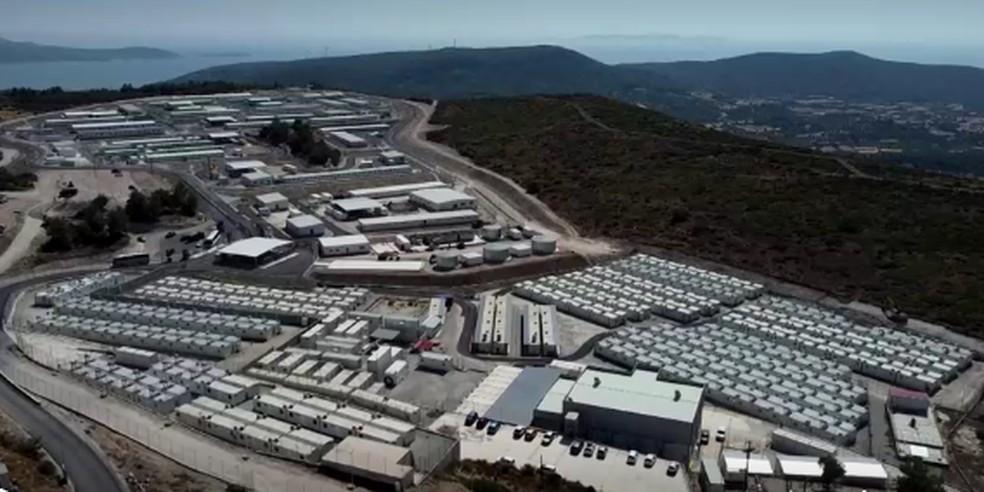 Grupos de ajuda humanitária afirmam que local parece uma prisão — Foto: Reuters