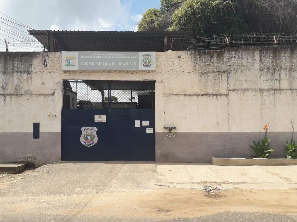 Pintor é preso acusado de estuprar três netas da ex-esposa em Boa Vista - Notícias - Plantão Diário