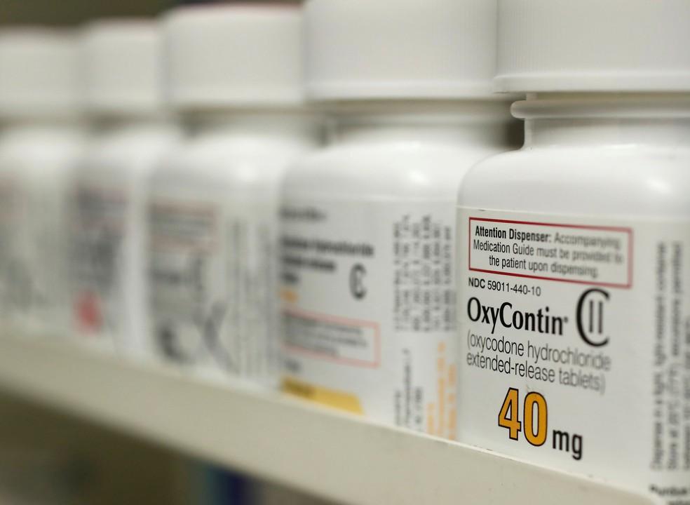 O comércio e marketing do OxyContin gerou um aumento nas prescrições de opióides nos Estados Unidos e pode estar na origem da epidemia de dependência — Foto: Reuters