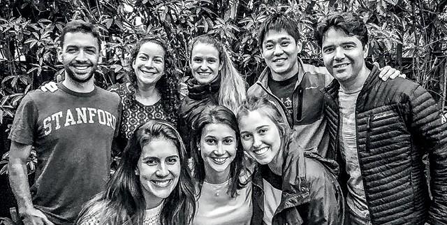 O time de alunos brasileiros que planejou a BSV: menos horas de sono para tirar o atraso do país (Foto: Divulgação)