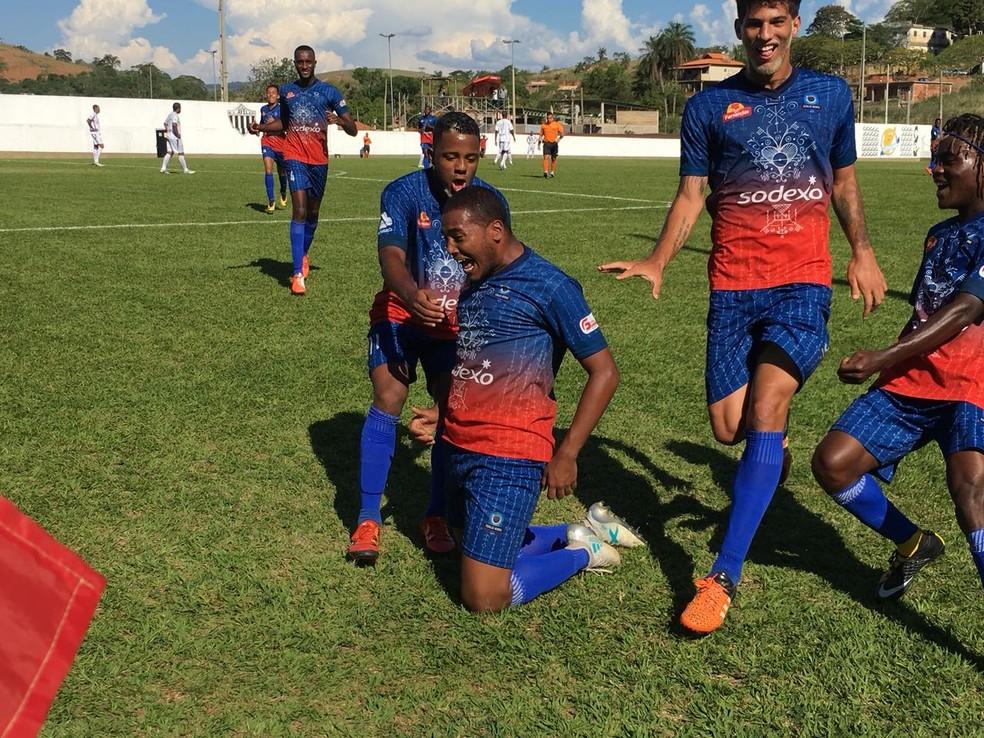 Pérolas Negras campeão da quarta divisão do RJ (Foto: Agência Ferj)