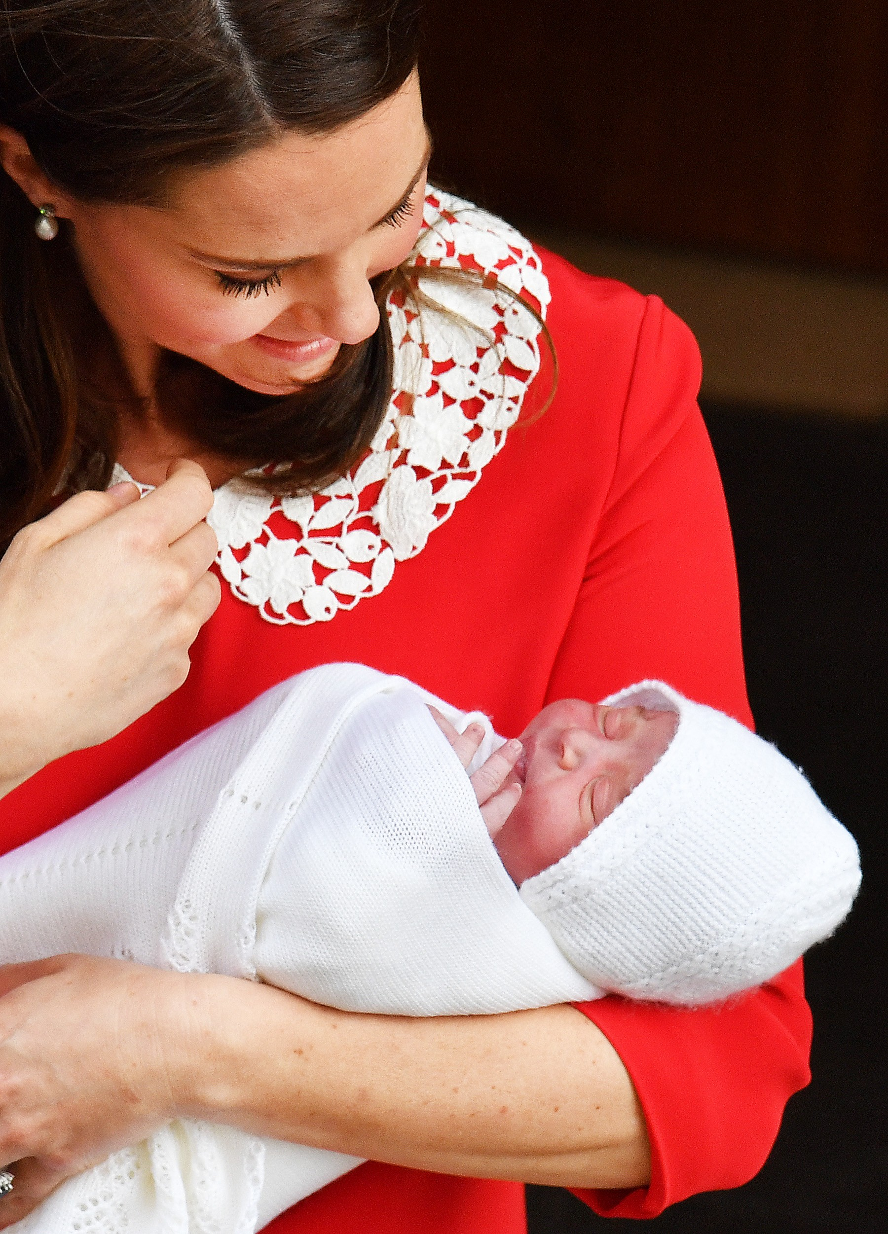 A Duquesa de Cambridge, Kate Middleton, com o filho, o Príncipe Louis  (Foto: Getty Images)