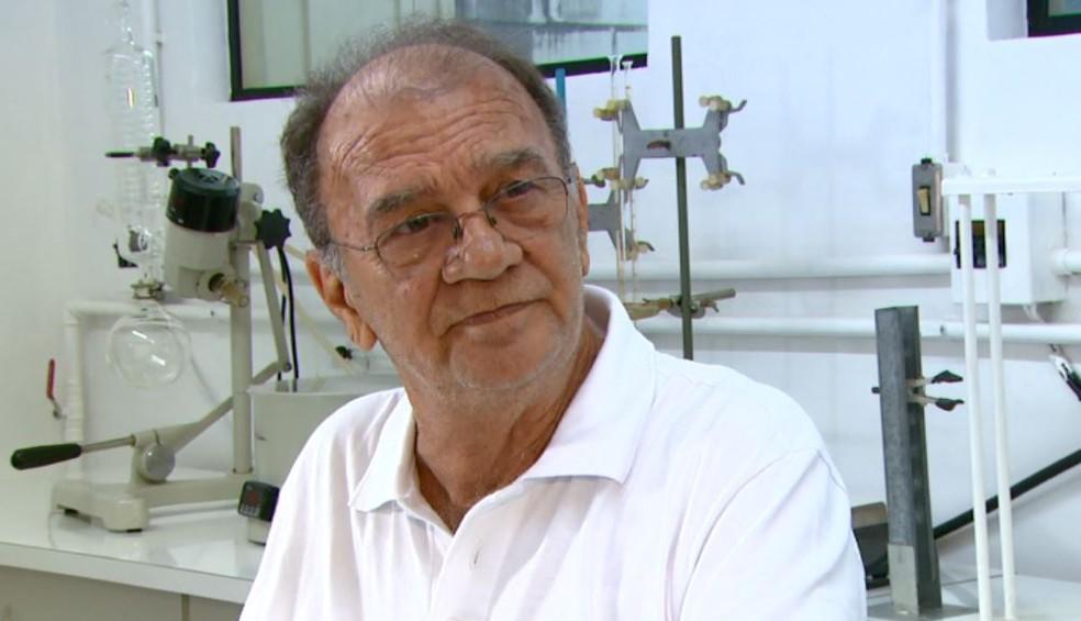 """Morre pesquisador da USP que desenvolveu """"pílula do câncer"""""""