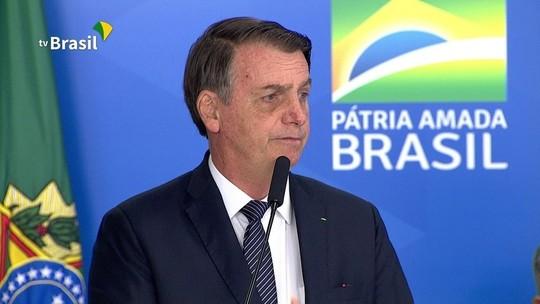 Bolsonaro revoga horário de verão e afirma: 'Eu sempre reclamei'