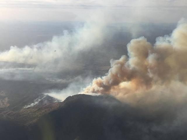 Fogo iniciado por Dickey (Foto: Reprodução Facebook / Departamento de Florestas do Arizona)