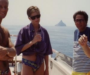 Empresário divulga fotos inéditas da Princesa Diana de biquíni em iate