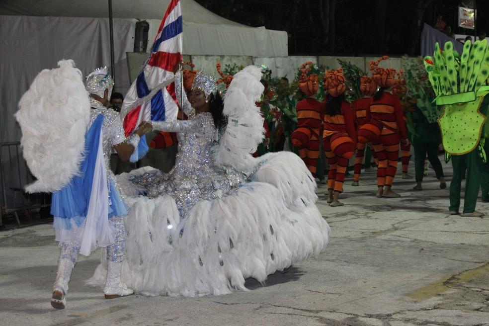 Mestre sala e porta-bandeira são da Beija Flor (Foto: Prefeitura de Guaratinguetá/Divulgação)