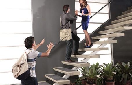 Na quarta (29), Tereza Cristina (Christiane Torloni)  será flagrada pelo filho tentando matar um homem Reprodução
