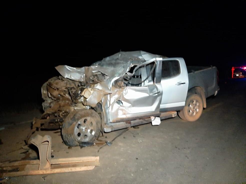 Acidente entre carro, carretas e caminhonete deixou uma pessoa ferida em Sorriso — Foto: Rafael Sousa/Portal Sorriso