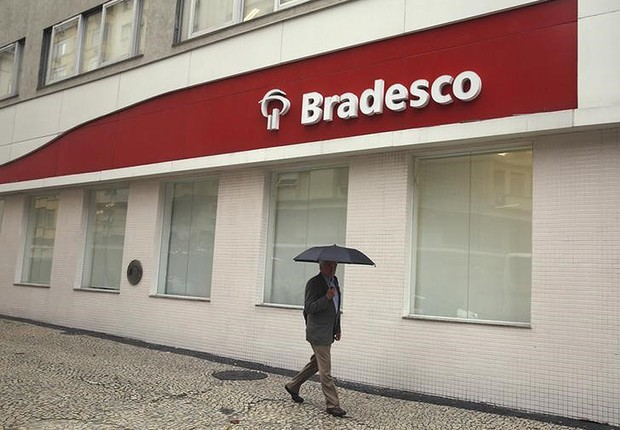 Agência do banco Bradesco no centro do Rio de Janeiro (Foto: Pilar Olivares/Reuters)