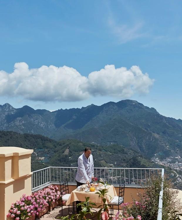 A Villa Margherita, onde o casal se hospeda, conta com jardim privado, mordomo e chef exclusivo (Foto: Belmond Hotel/ Reprodução)