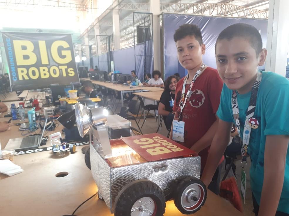Crianças expõem robôs na Campus em Porto Velho (Foto: Ana Kézia Gomes/G1)