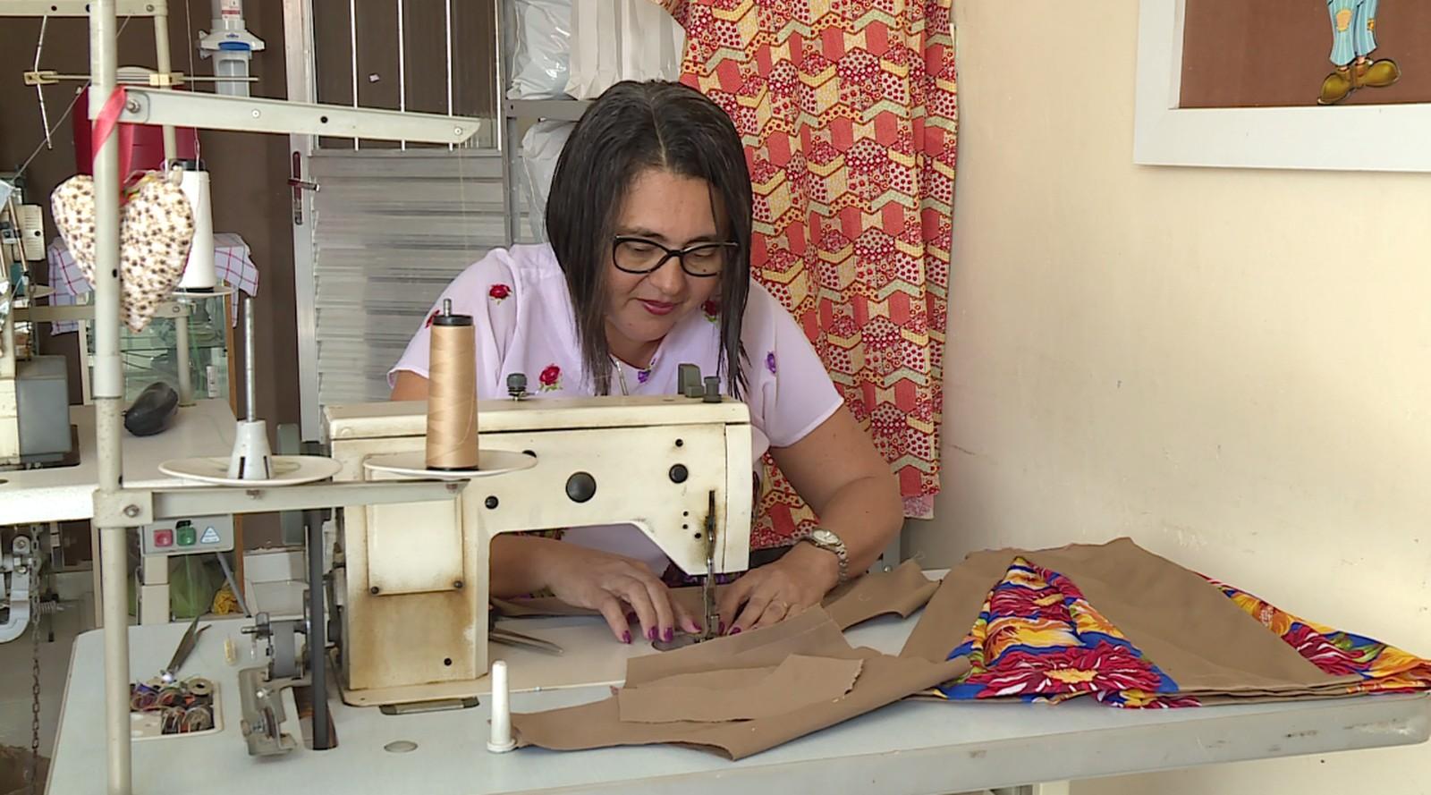 Sine de Pará de Minas tem vagas para vigilante, costureiro e operador de caixa - Noticias