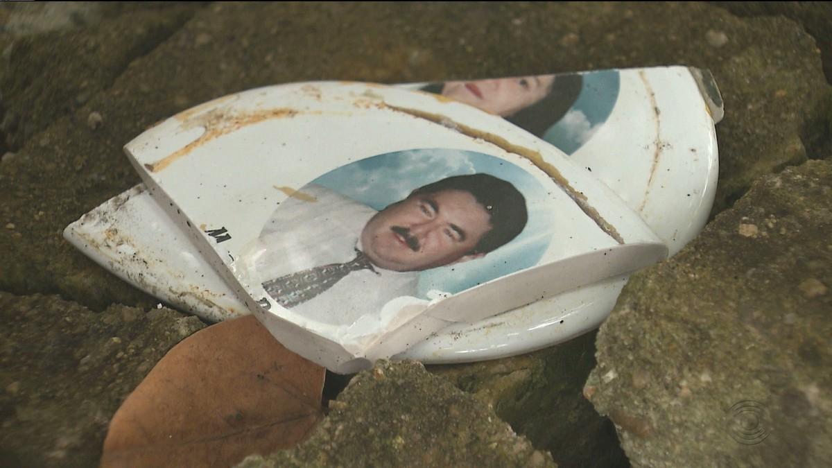 Vândalos depredam e roubam redomas de túmulos em cemitério de Campina Grande