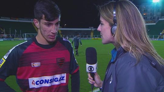 Pedrinho comemora vitória fora de casa diante do Figueirense