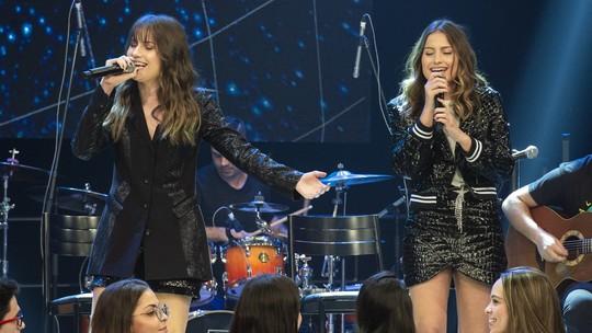 Júlia & Rafaela contam que começaram a cantar após assistir Claudia Raia em 'A Favorita'