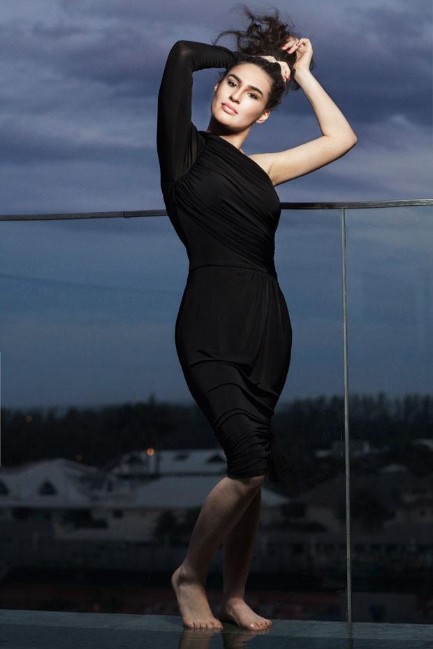 Escolhi ser atriz por conta própria, diz Lívian Aragão (Foto: Carlo Locatelli)