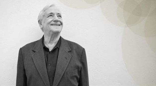 Integrantes do Projeto Axé fazem homenagem a Cesare La Rocca no Pelourinho, em Salvador